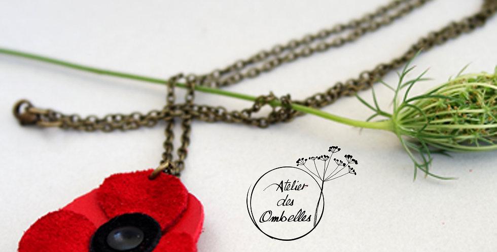 Collier fleur coquelicot en cuir recyclé