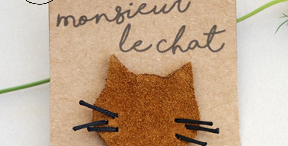 broche tête de chat marron clair en cuir recyclé