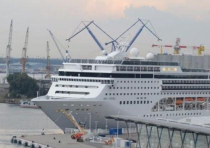 Warnemuende_Cruise-Terminal_best-737x415