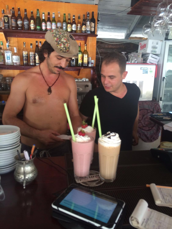 Kaş Limanağzı Nuri's Beach Milkshake