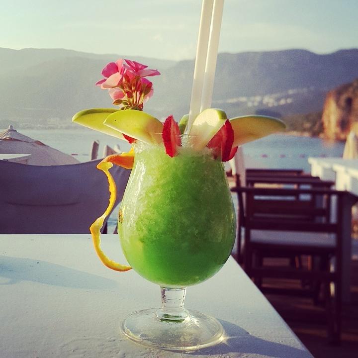 Kaş Limanağzı Nuri's Beach Bar