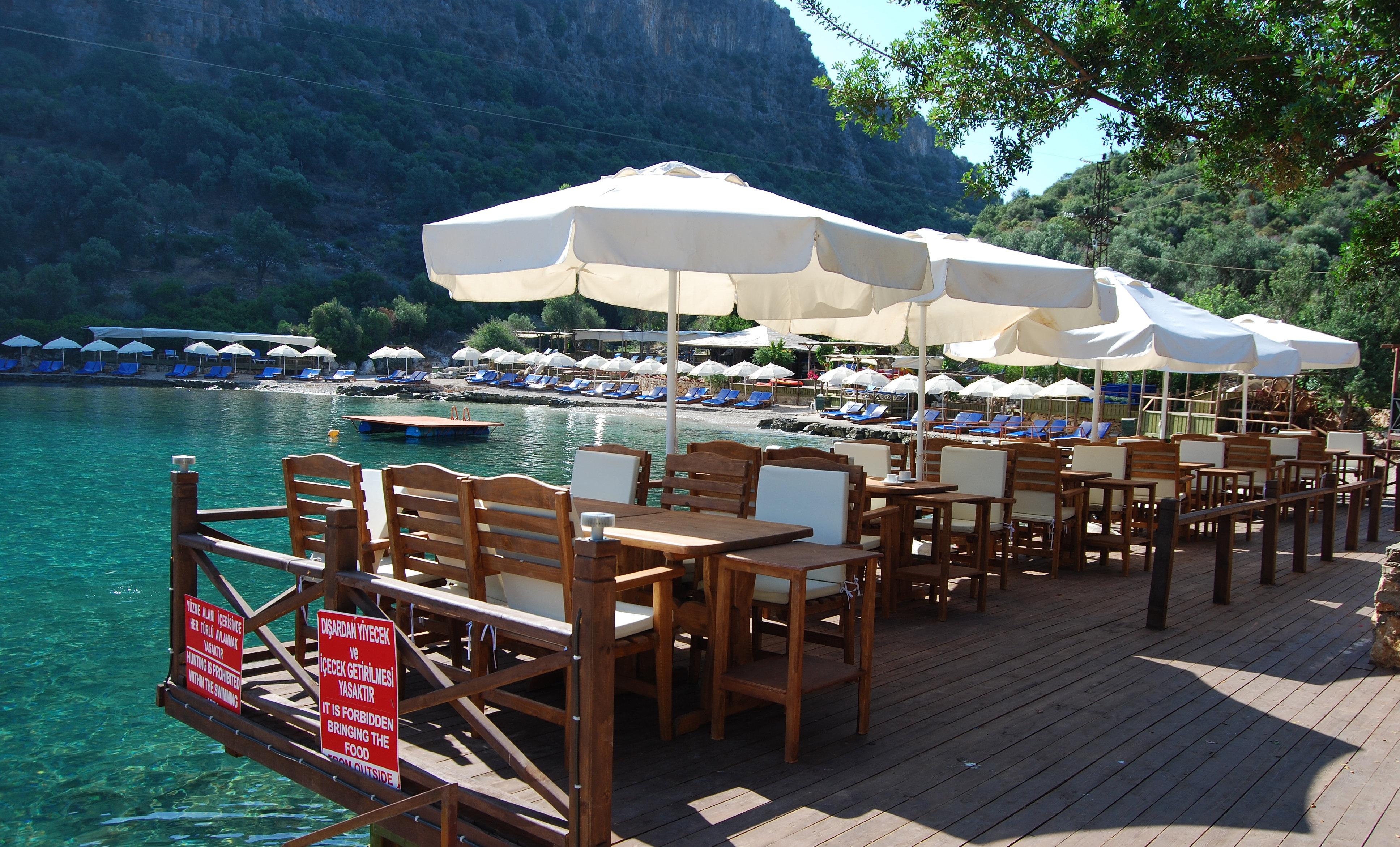 Light Beach Restaurant