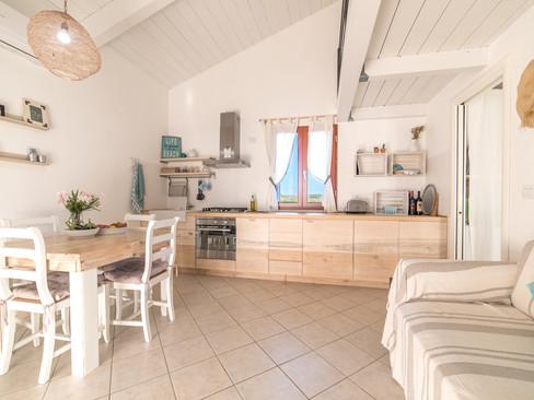 Huis_Sardinie_strand_Ginepro_woonkamer_k