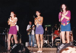 The Cernettes '94 singing at CERN
