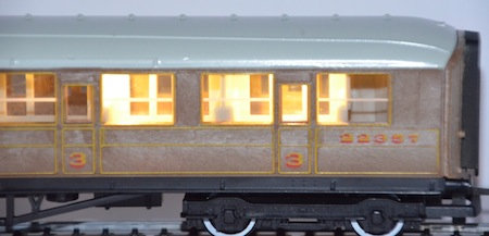 CN2 Automatic Coach Lighting - Warm White/Standard N Gauge