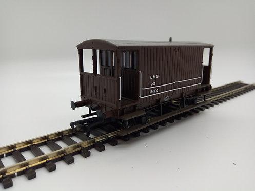 38-553A Midland Railway 20t Brake LMS Bauxite