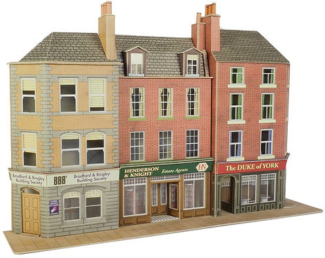 PO205 Low Relief Pub and Shops
