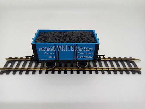 4F-072-007 OO Gauge 7 Plank Wagon Richard White