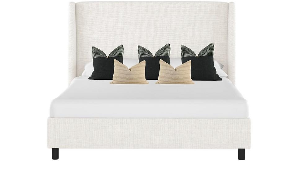 Moody Bedroom Pillow Combination