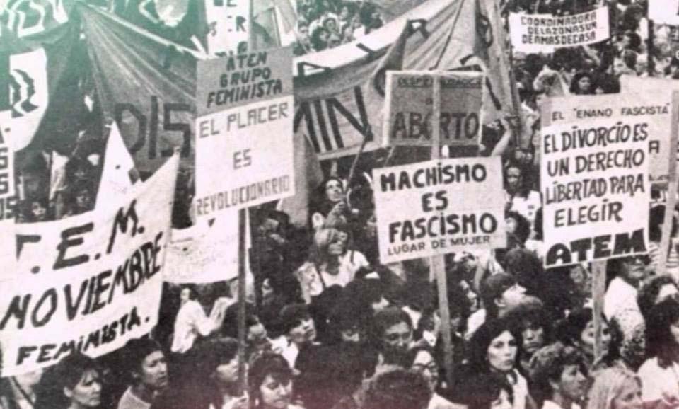 https://www.google.com/search?rlz=1C1CHZL_enUS747US747&biw=1707&bih=844&tbm=isch&sa=1&ei=JLmhWsOZN_Ls_Qas7qzADA&q=el+dia+de+la+mujer+trabajadora+protestar&oq=el+dia+de+la+mujer+trabajadora+protestar&gs_l=psy-ab.3...64487.66995.0.67211.10.10.0.0.0.0.81.491.10.10.0....0...1c.1.64.psy-ab..0.1.80...0i30k1.0.Gj53WAatxpM#imgrc=IB_HTU4dv00XAM: