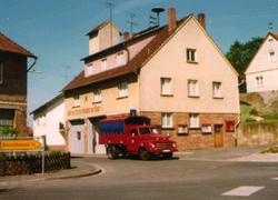 Feuerwehrhaus mit Opel Blitz