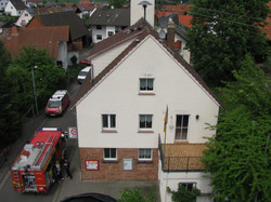 Gerätehaus von der Drehleiter