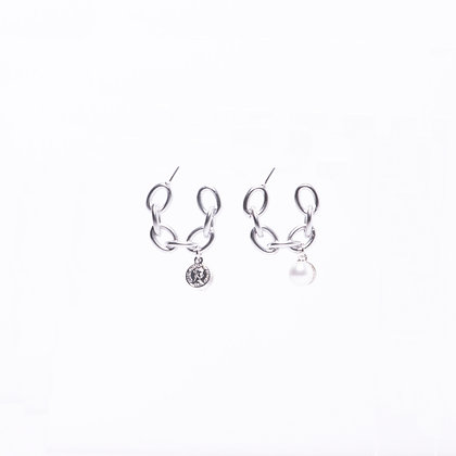 Queen Elizabeth Coin Pearl Chain Earrings