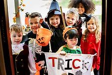 little-children-trick-or-treating-on-halloween-QKTHZFN.jpg