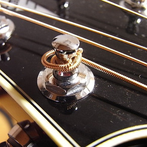 弦の巻き方を工夫してみましょう。マーキス弦を使う際の注意点も書いてみました。