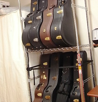8本収納のギターラックです。スチールラックの改造です。