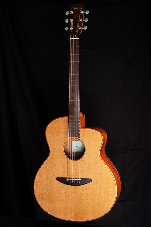 ベーデンギター A-CM シダーとマホガニーのアコギ