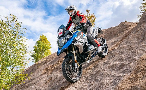 bmw_enduro_action_04_19_700.jpg