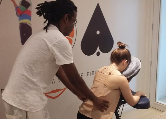quick-massage-bem-estar-corporativo-min.jpg