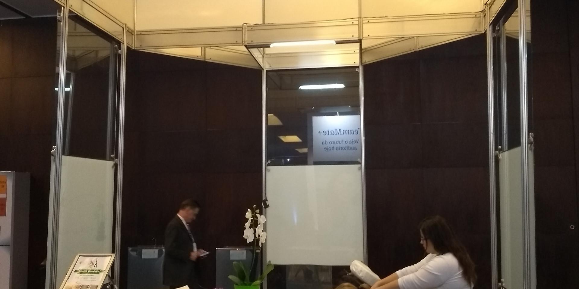 stand_convenções_paletras_feiras-de-negócios