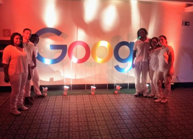 equipe-massagem-móvel-evento-google.jpg