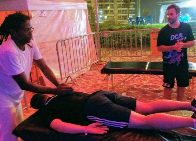 massagem-em-evento-corrida-noturna-DCA-min.jpg