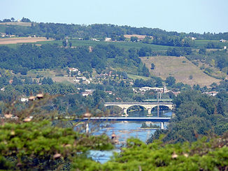 special-villas-holidays-accommodation-in-aquitaine-france-presbytere-view-dordogne-09-049.