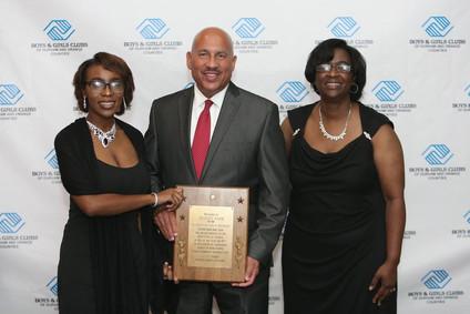 gibert baez and award at gala