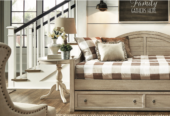 Avery Daybed - Antique White