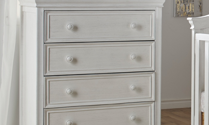 Pali Diamante Collection 4 Drawer Chest in Vintage White