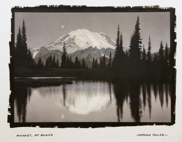 Moonset, Mt Rainier