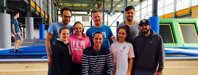 Mitch Kuhn's Trampolin-Team vom Stützpunkt Stuttgart