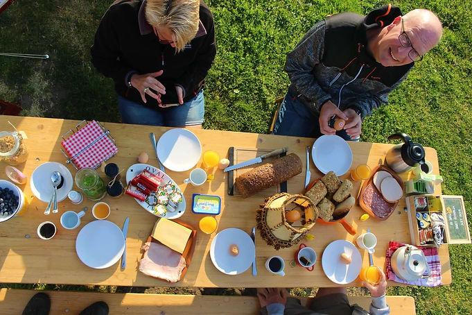 Ontbijten tijdens de Tulpenhike.jpg