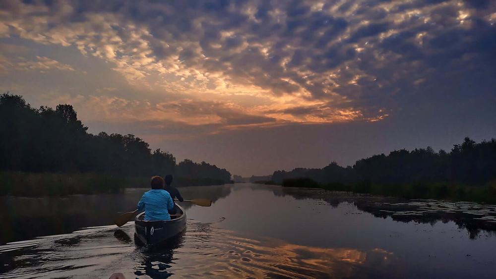 De Weerribben is het gebied in Nederland voor prachtige kano tochten