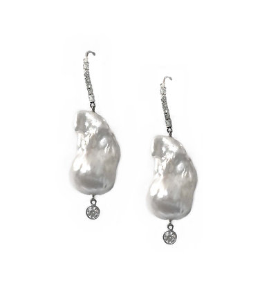 Natural Pearl Earring with Diamonds