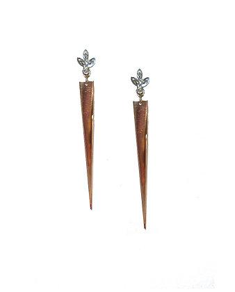 Daggers w/ Diamond Flower Motif