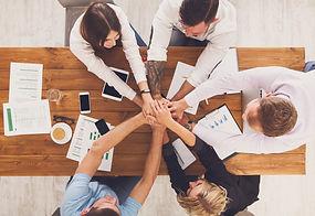 Teamentwicklung Gemeinsam am gleichen Strick ziehen. Steigern Sie die Performance Ihrer Teams!