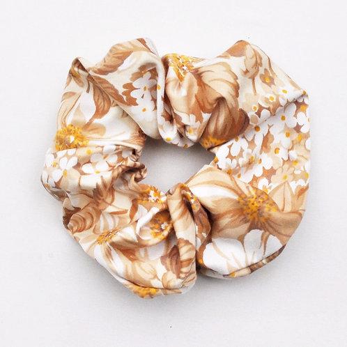 "legacapelli/scrunchies ""Beige Flowers"""