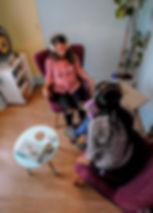 Cabinet Hypnose thérapeutique à Vincennes (94) Lina Tea en interaction