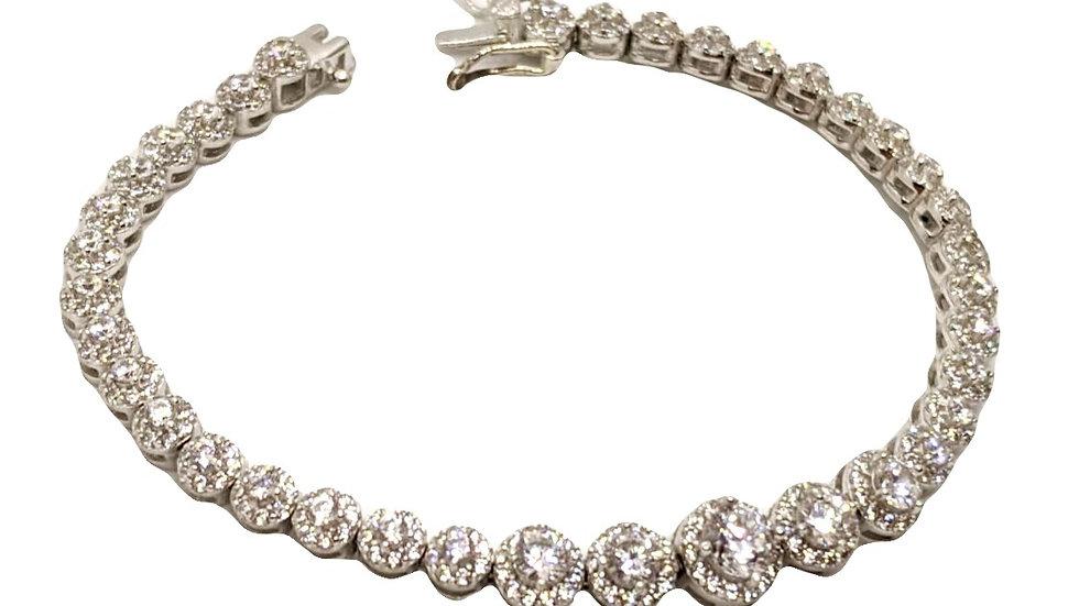 Gradual tennis bracelet