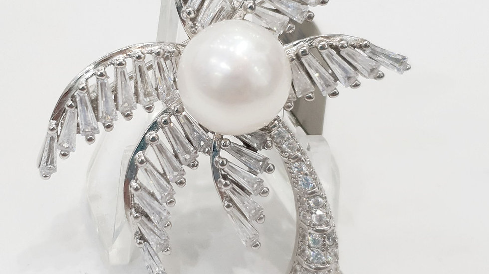 Palm tree with cubic zirconia and freshwater pearl. Brooche