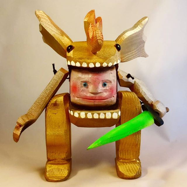 Kaiju Kiddo Golden warrior._12 inch._Woo