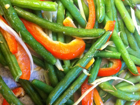 Roasted Green Beans with Onions and Peppers