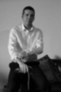 Portrait_1_N&B.jpg