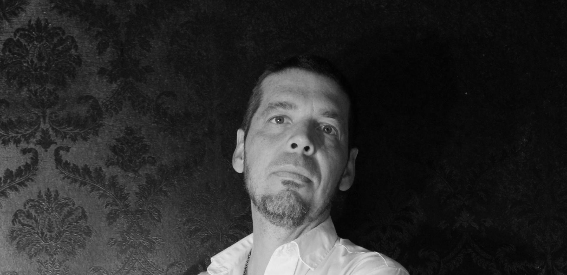 Portrait2NB.jpg