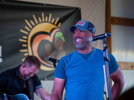Darius Rucker plays for New DAWN Africa!
