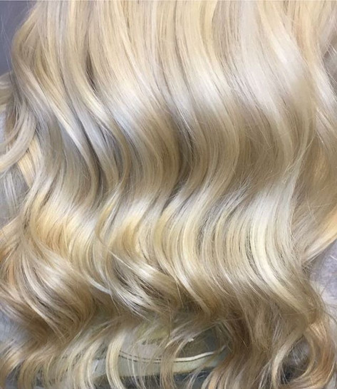 "Raise your hand if you need me to help you achieve that ""PERFECT"" blonde tone! 💎🙋‍♀️💎 🙋🏼‍♀️ Email me at MagnoliaStylist_gmail.jpg"