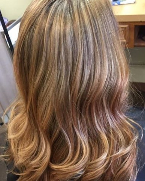 This hair color screams outside bonfires and marshmallows to me! 🍂🍁🍃🏕