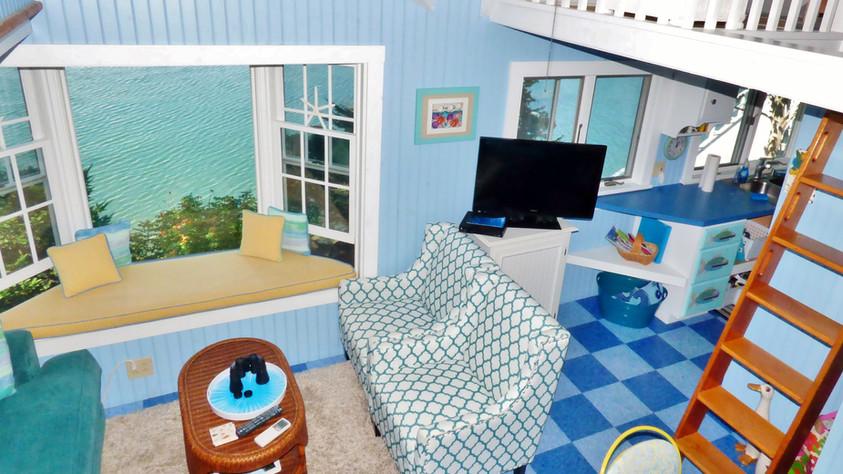 SeaGlass Cottage Living Area