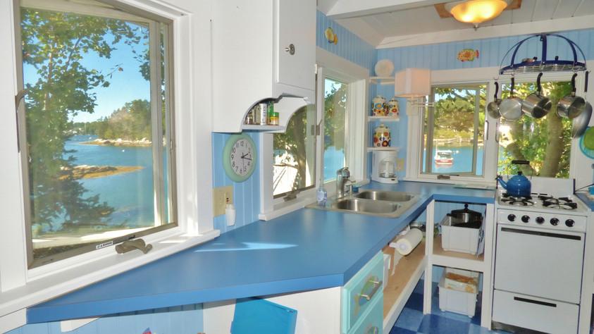SeaGlass Cottage - Kitchen